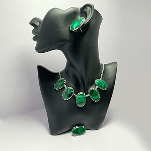 Malachite Necklace with Tops