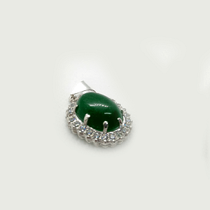 Pendant in Cabochon Shaped Jade with Zirconia