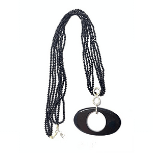 Black agate with onyx strings